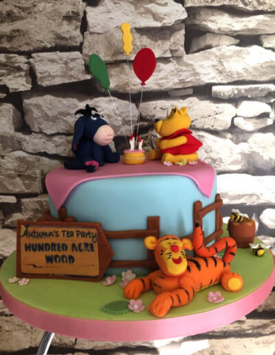 whinnie_the_poo_cake