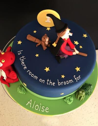 year-one-birthday-cake